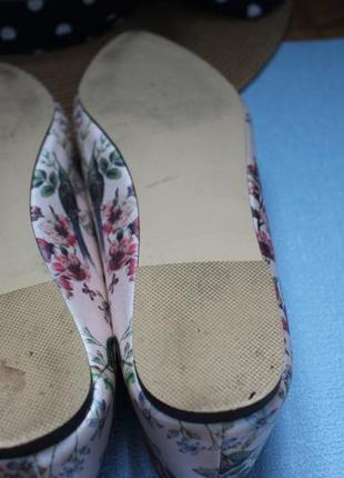 Туфли острый нос  балетки лодочки  с принтом колибри от oasis 41р10 фото