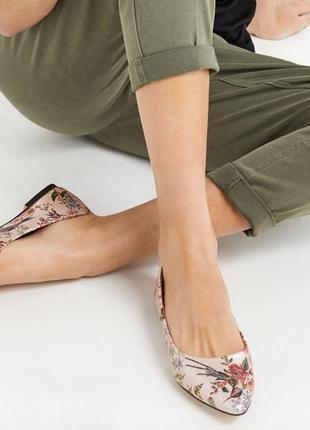 Туфли острый нос  балетки лодочки  с принтом колибри от oasis 41р3 фото