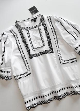 Нежная белая блуза с вышивкой3 фото