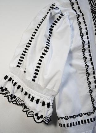 Нежная белая блуза с вышивкой2 фото
