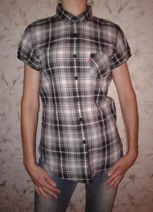 Рубашка блуза в клетку levis, летняя легкая