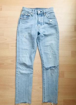 Якої і оригінальні джинси levi's