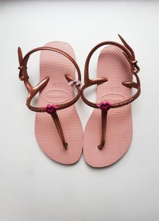 Модные босоножки сандали пудровые розовые на девочку havaianas