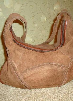 Стильная сумка (натурал. замш).