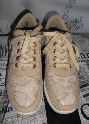Демисезонные закрытые туфли,ботинки, кроссовки vivеs shoes под замшу