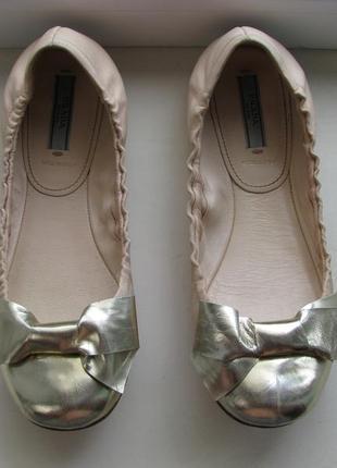 Кожаные балетки prada