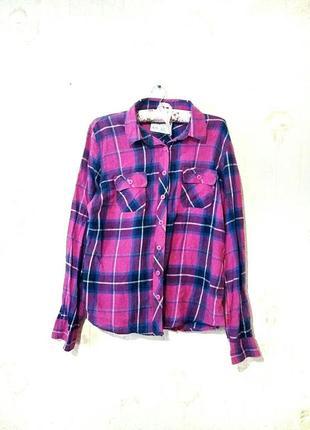 Розовая клетчатая рубашка