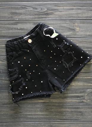 Женские джинсовые шорты чёрные с бусинами