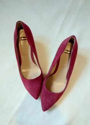 Класические туфли лодочки цвета марсала bata