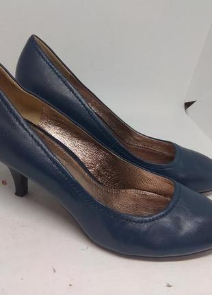 Кожаные туфли 39 размер италия