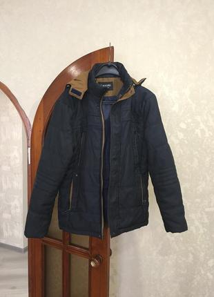 Куртка осень-весна в отличном состоянии.