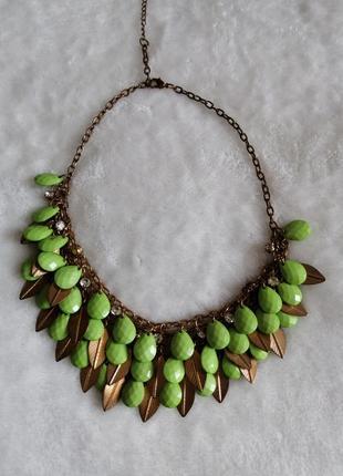Массивное ожерелье, идеально на лето