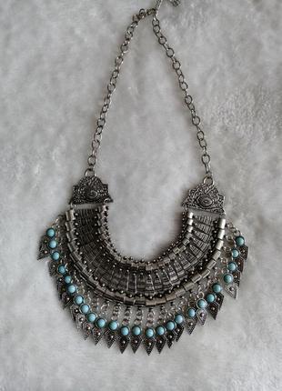 Массивное ожерелье в стиле бохо