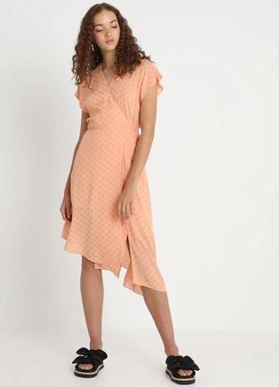 Вискозное платье в горошек minimum