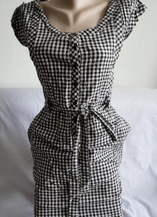 Очень прикольное платье в модную клетку mexx