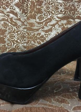 Туфли из натуральной замши casadei
