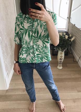 Рубашка с тропическим принтом от atmosphere.