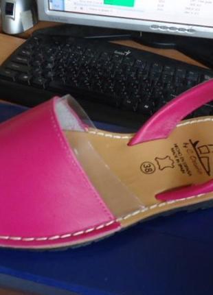 Испанские сандалии кожа в цвете фуксия