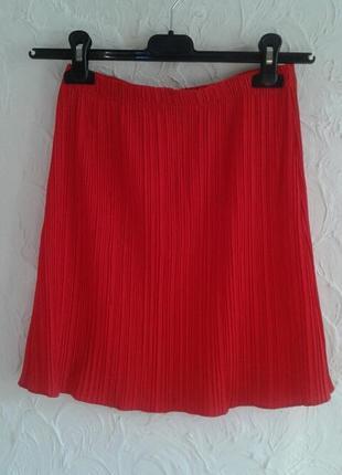 Шикарная плиссированная красная юбка мини