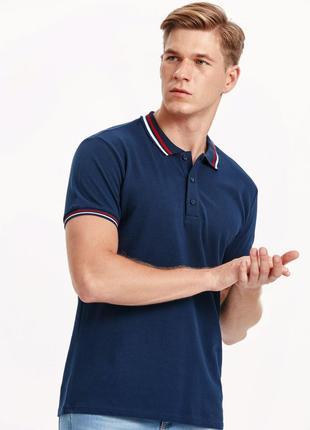 Мужское поло синее lc waikiki с белой и красной полоской на воротнике и манжетах