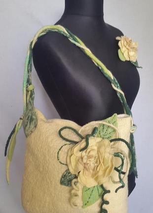 Валяная сумочка ручной работы