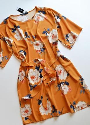 Летнее легкое платье в цветы