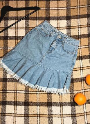 Шикарная джинсовая мини юбка с бахромой bershka