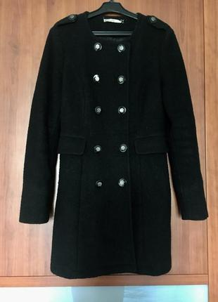 Пальто демисезонное милитари чёрного цвета с погонами