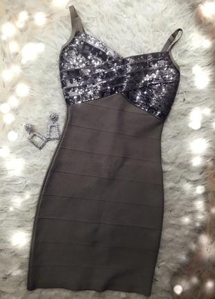 Guess новое бандажное обтягивающее утягивающее платье миди праздничное на бретелях