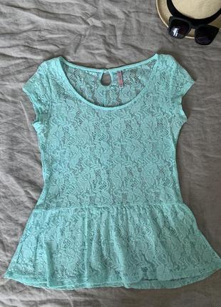 Мятная кружевная блуза