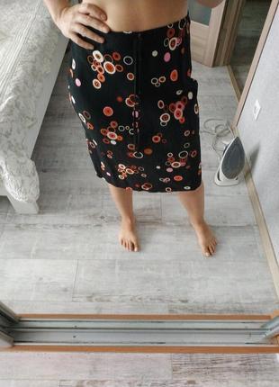 Легкая вискозная юбка миди длины в принт