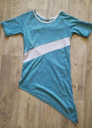 Стильная удлиненная дизайнерская футболка