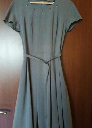 Платье расклешенное, с пояском