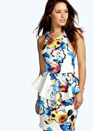 Новое эффектное платье с баской в цветочный принт