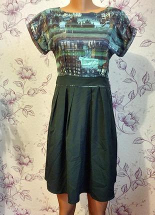 Платье с городским принтом хит сезона плаття з карманами uttam london