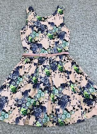 Гарне літнє плаття