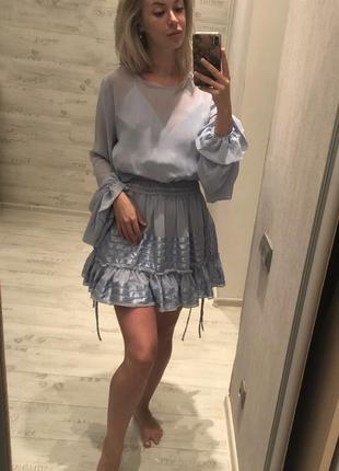 Платье с рукавами-колокольчиками