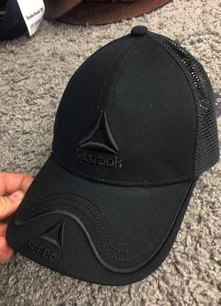Бейсболка - в стиле reebok (чёрная с чёрным значком)