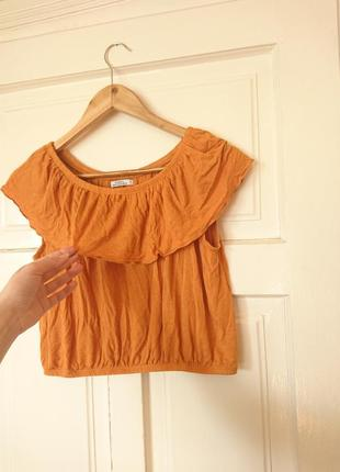 Стильна кроп-блуза з рюшею, на відкриті плечі, на р. м