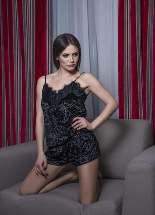 Велюровая пижама в черном цвете 016