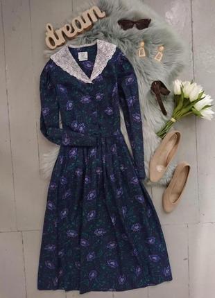 Актуальное винтажное платье с воротником №319