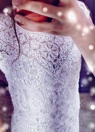 Miss selfridge дизайнерское свадебное праздничное нарядное вечернее платье с бисером белое