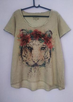 Красивенная футболка