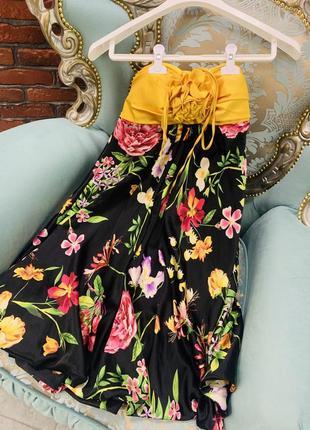 Коктельное вечернее короткое платье в цветах