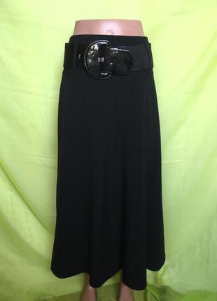 Красивая юбка с лакированной пряжкой 46 р