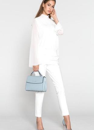 Обворожительная кружевная блуза с плиссе от бренда vila