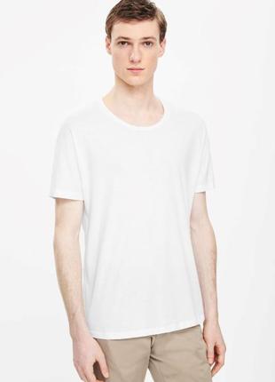 Мужская базовая белая футболка cos l