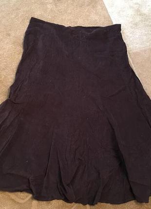 В наличии вельветовая тонкая юбка с вышивкой \ клинья