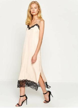Новое с этикеткой стильное платье-комбинация нежно пудрового цвета2 фото