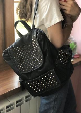 Чёрный рюкзак с шипами daniele patrici
